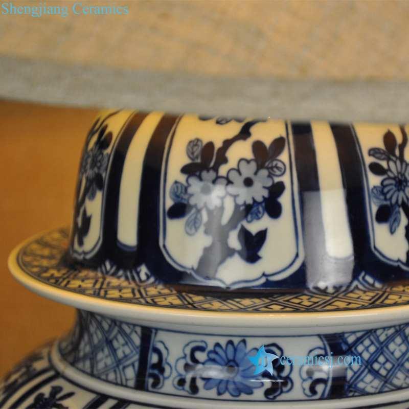 blue and white porelain  lamp