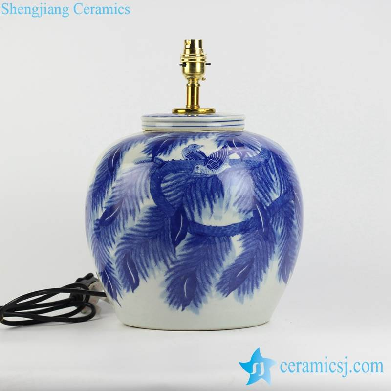 Leaf and couple birds pattern blue and white ceramic  body table lamp shengjiang company