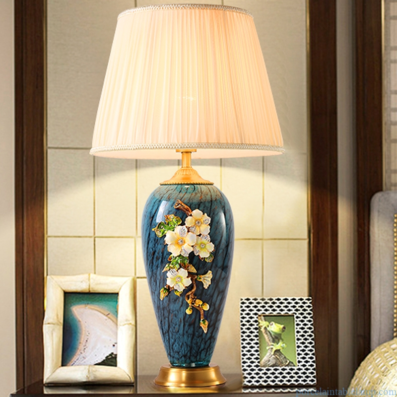 luxury enamel embossed flower design wedding gift romantic table lamp
