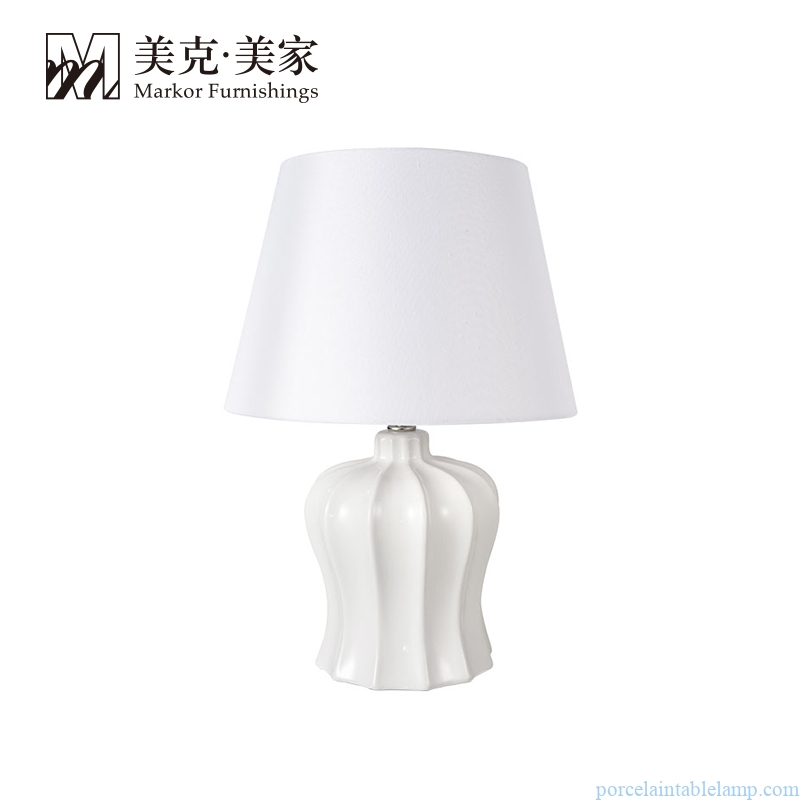 high temperature fired special shape ceramic bedside table lamp